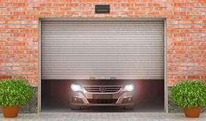 monteren stalen garagedeur